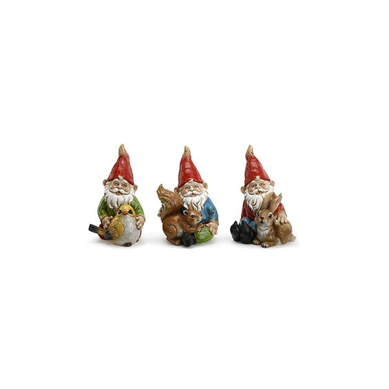 garden-gnomes-holding-animals-for-the-garden